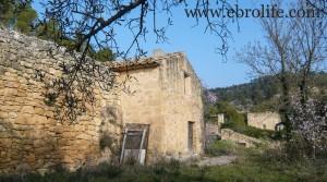 Detalle de Finca próxima a La Fresneda con vistas a Torre del Compte con agua por 70.000€