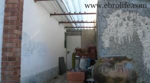 Chalet en Fayón a buen precio con higueras por 160.000€