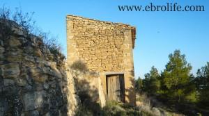 Masía de piedra en Maella en venta con masía