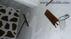 Casa de piedra en Mazaleón en venta con agua por