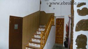 Casa de piedra en Mazaleón en oferta con agua por