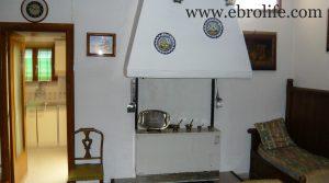 Detalle de Casa de piedra en Mazaleón con casa por