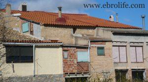 Casa de piedra en Mazaleón en oferta con huerto por