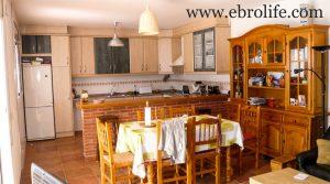 Vendemos Casa en Fayón con amueblado por 170.000€