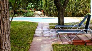 Se vende Chalet con piscina en Caspe con regadío