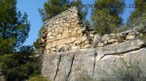 Finca de olivos y almendros en Calaceite a buen precio con masía por 85.000€