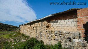 Vendemos Construcción ganadera en Maella con río por 89.000€