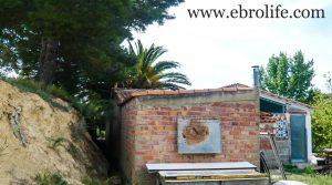 Torre con piscina en Caspe en oferta con electricidad por 46.000€