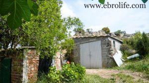 Detalle de Torre con piscina en Caspe con embalse por 46.000€