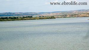 Torre con piscina en Caspe en venta con almacén por 46.000€