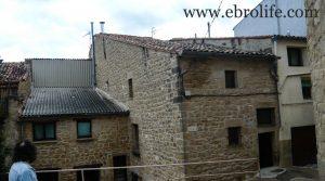 Casa rústica en Calaceite a buen precio con amueblado por 360.000€