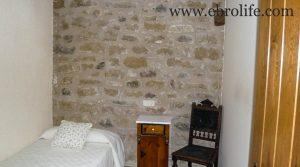 Casa rústica en Calaceite en oferta con casa