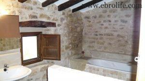 Foto de Casa rústica en Calaceite con casa por 360.000€
