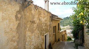 Casa en el casco antiguo de Calaceite para vender con bodega