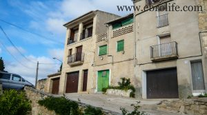 Casa en el casco antiguo de Calaceite en venta con amueblado por 30.000€