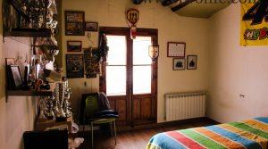 Casa rústica en la Fresneda a buen precio con calefacción por