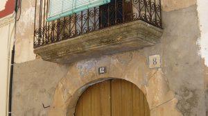 Casa antigua en Fabara para vender con electricidad
