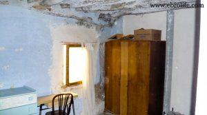 Foto de Casa antigua en Fabara con agua