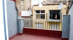 Antigua casa en el centro de Maella para vender con amueblado