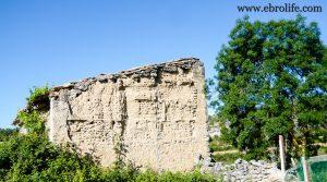 Detalle de Masía antigua en La Fresneda con agua por 6.000€