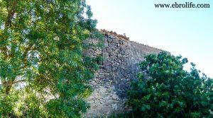 Masía antigua en La Fresneda para vender con agua por 6.000€