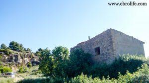 Masía antigua en La Fresneda a buen precio con masía