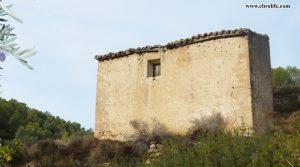 Finca rústica Barranco de los Huertos Calaceite a buen precio con olivos por 50.000€