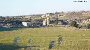 Finca rústica cerca de Caspe para vender con masía por 98.000€