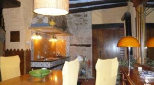 Casa del siglo XV en La Fresneda a buen precio con bodega