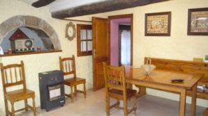 Casa del siglo XV en La Fresneda para vender con electricidad por 360.000€