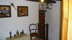 Casa del siglo XV en La Fresneda en venta con electricidad