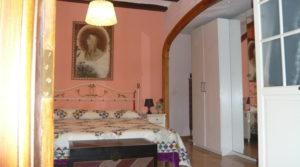 Casa del siglo XV en La Fresneda en oferta con terraza por 360.000€