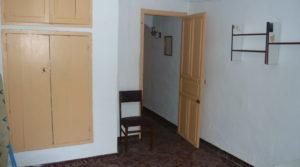 Foto de Casa con patios abiertos en Maella con garaje por 66.000€