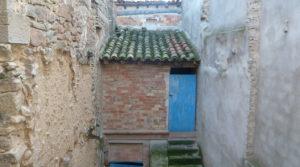 Casa con patios abiertos en Maella a buen precio con garaje por 66.000€
