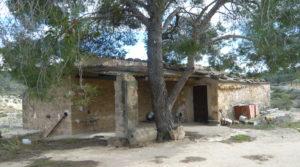 Masía de piedra en Masalsinas, Calaceite