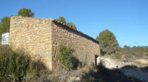 Se vende Masía en Valdeltormo con piedra por 15.000€