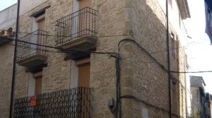 Casa de piedra en Maella en oferta con garage