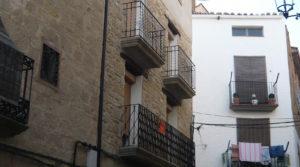 Casa de piedra en Maella en venta con bodega por 165.000€