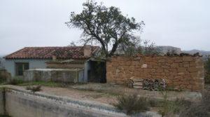 Chalet en Caspe para vender con piscina