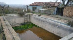 Detalle de Chalet en Caspe con piscina por 38.000€