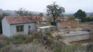 Foto de Chalet en Caspe con barbacoa cubierta por 38.000€
