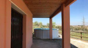 Detalle de Chalet en Caspe con porche