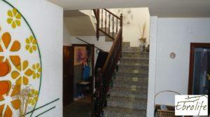 Casa en Caspe con piscina excelente para vivir. en venta con garaje por 600.000€