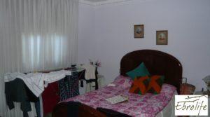 Foto de Casa en Caspe con piscina excelente para vivir. en venta con garaje