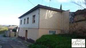 Casa en Caspe con piscina excelente para vivir. a buen precio con garaje por 600.000€