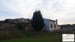 Casa de campo en Caspe con gran piscina a buen precio con cerca del centro por 73.000€