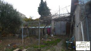 Casa de campo en Caspe con gran piscina para vender con piscina por 73.000€