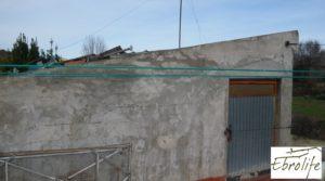 Detalle de Casa de campo en Caspe con gran piscina con piscina por 73.000€