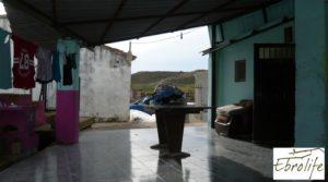 Detalle de Casa de campo en Caspe con gran piscina con cerca del centro