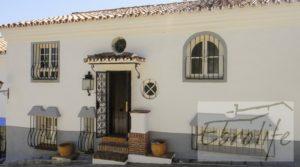 Casa en Ojen de estilo Feng-Shui en oferta con garage